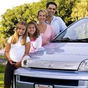 Семья Спаллино и их водородная Honda FCX (фото с сайта motortrend.com)