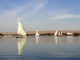 Голубой Нил (фото с сайта www.zelen.ru)
