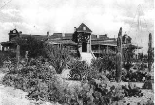 Главный корпус Аризонского Университета, 1902 год (фото с сайта quiz2.chem.arizona.edu)